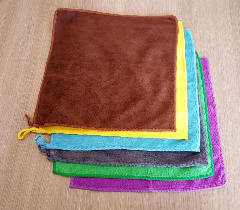 Ręcznik szybkoschnący 30x30 mikrofibra zielony