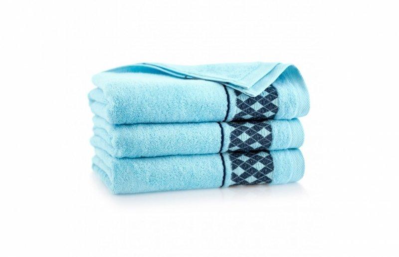 Ręcznik z bawełny egipskiej DRAGON 70x140 wz. wodny