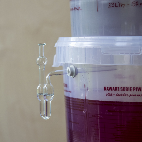 Rurka fermentacyjna kątowa do pojemników