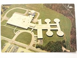 THE MEDICAL RESEARCH CENTER AT BROOKHAVEN NATIONAL LABORATORY UPTON, LONG ISLAND, N. Y.