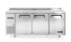 Stół mroźniczy Kitchen Line 3-drzwiowy z agregatem bocznym, linia 600 HENDI 233399 233399