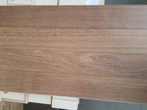Deska warstwowa Sucupira Bengalska kl.I lakierowana fazowana 15x120x1200 mm