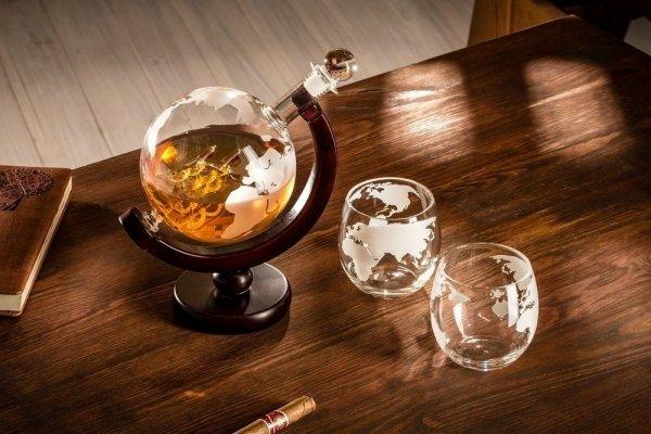 Karafka Globus z grawerowanymi szklankami 2 szt.