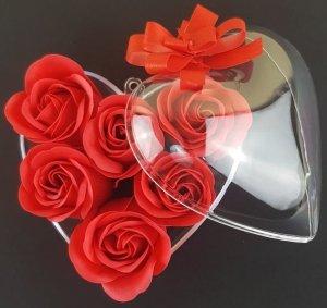 Prezent dla Kochanej Wieczne róże w sercu akrylowym