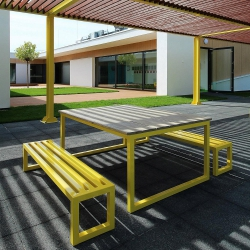 Stół metalowy z blatem drewnianym 170x100cm Etro