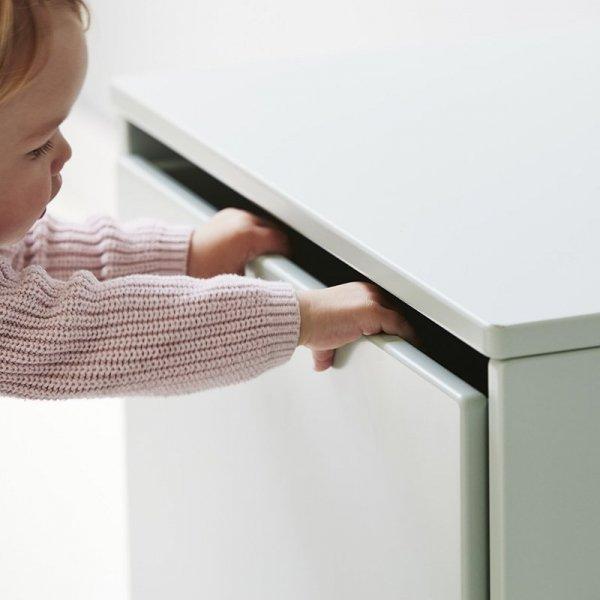 Nowoczesne meble bezpieczne dla dzieci Flexa Play