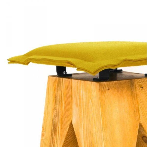Stołek drewniany Low żółty Gie El