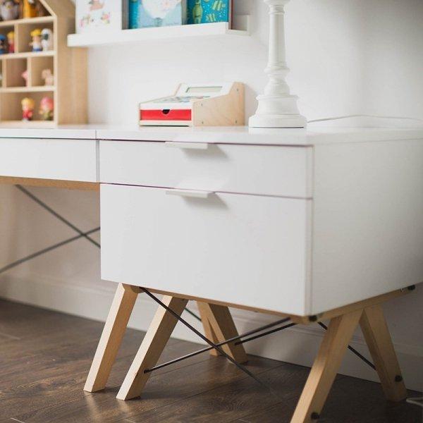 Kontenerek Minko Kids wyposażony jest w 2 pojemne szuflady i dostępny jest w wielu pięknych kolorach