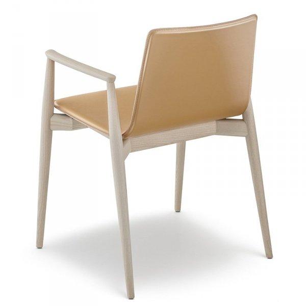 Skandynawskie krzesło drewniane marki Pedrali