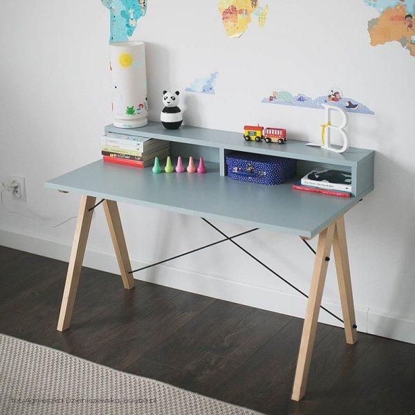 Piękne dziecięce biurko Slim z nadstawką do nowoczesnych wnętrz