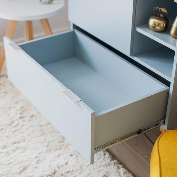 Szafa Minko Basic ma pojemną szufladę