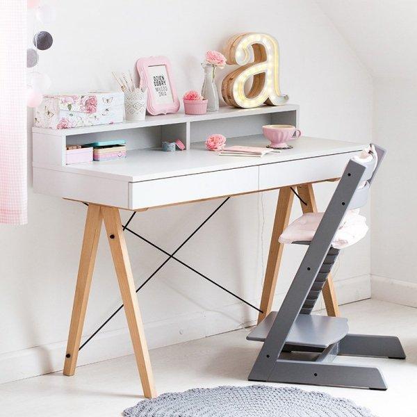 Stylowe biurko dziecięce w skandynawskim stylu Minko