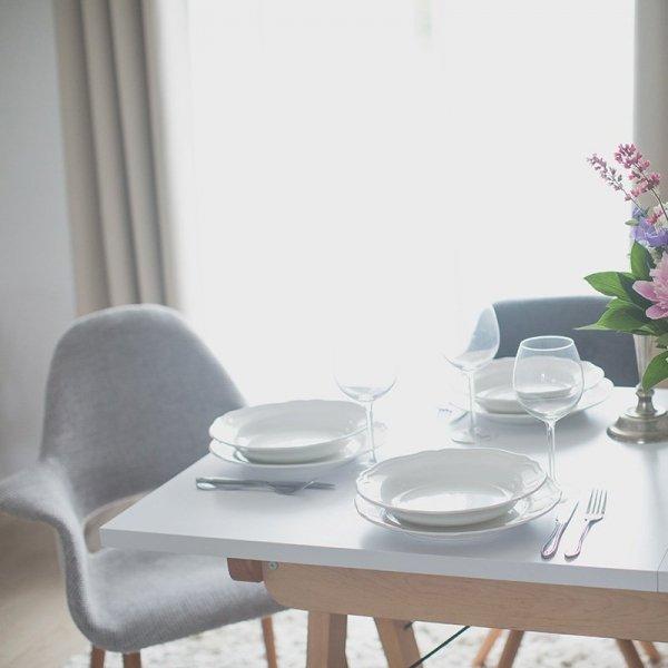 Piękny oraz stylowy rozkładany stół Minko Basic