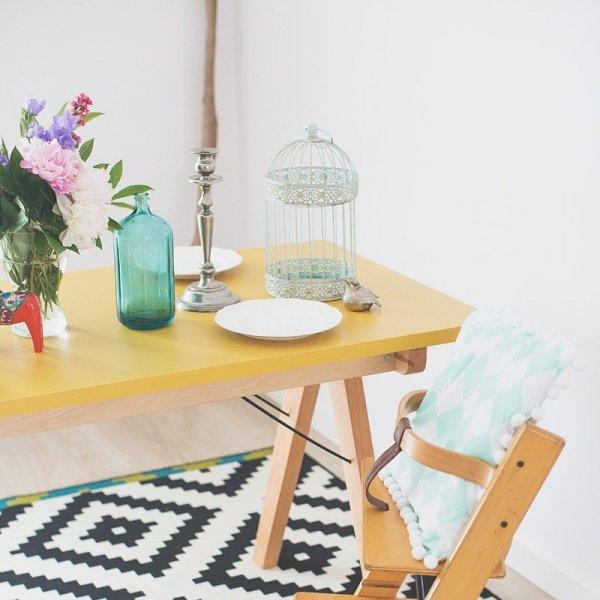 Designerki stół Minko Basic ma piękne i staranne wykończenie i nietypowy design
