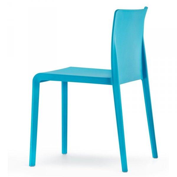 Nowoczesne krzesła Pedrali Volt 670 niebieskie