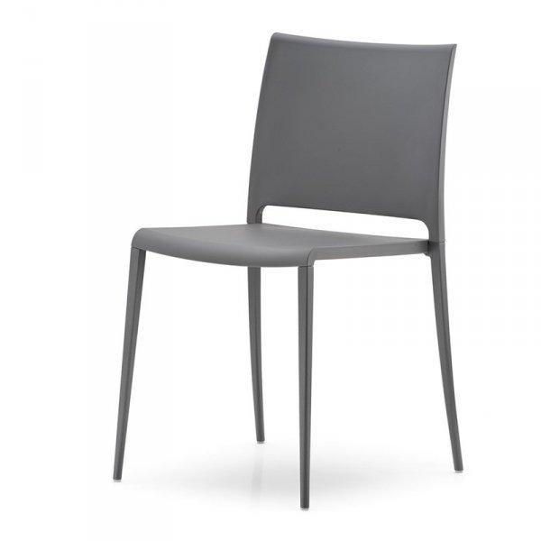 Krzesło Maya 700 idealnie sprawdzi się w minimalistycznych wnętrzach