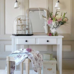 Toaletka w stylu romantycznym Rosita