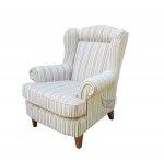 Babciny fotel w stylu retro w paski