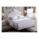 Łóżko w stylu romantycznym Sassari