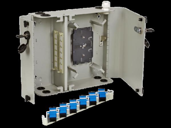 Naścienna szafka rozdzielcza dwudrzwiowa 24 x SC simplex (w zestawie tacki)