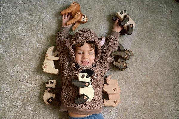 Bajo, ruchoma figurka drewniana, goryl