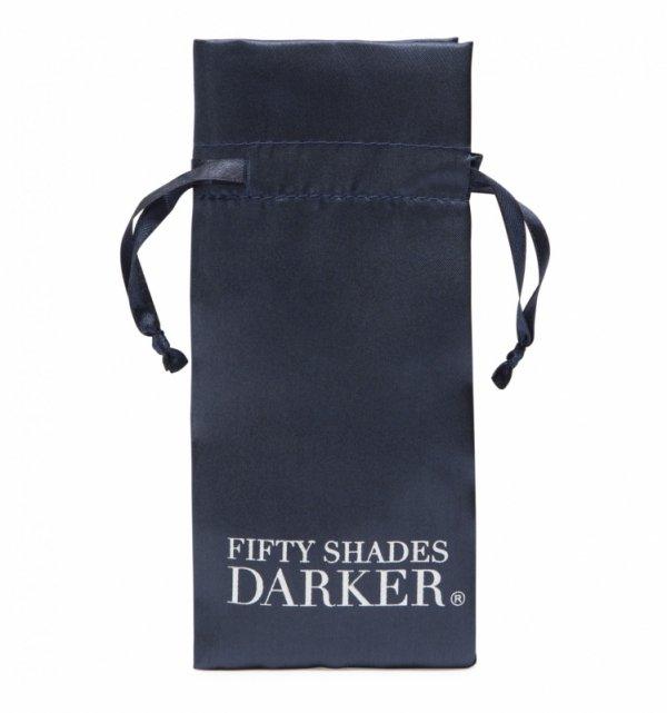 Fifty Shades of Grey - klipsy na sutki z łańcuszkiem At My Mercy (Chained Nipple Clamps)