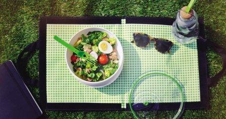 BB - Butelka na wodę EAU GOOD zielona