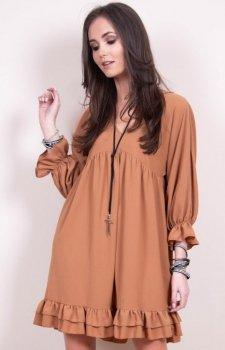 Luźna sukienka z falbanami karmelowa 0238