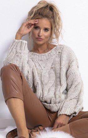 Ciepły oversizowy sweter beżowy F776