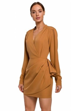 Elegancka mini sukienka z falbaną cynamon M531