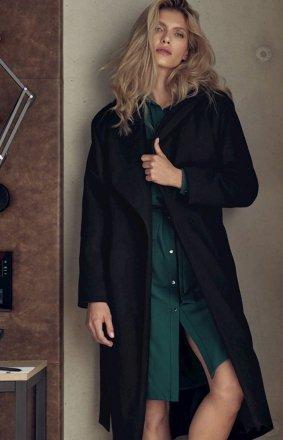 Czarny jesienny płaszcz damski M713