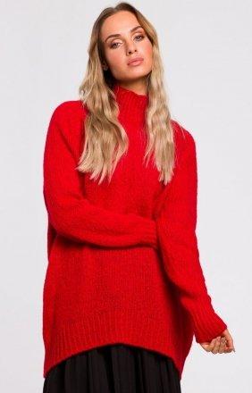 Swobodny czerwony sweter z golfem M468