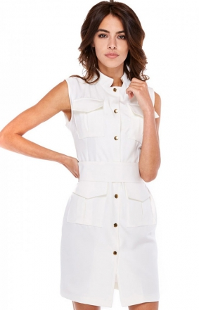 Ołówkowa sukienka bez rękawów biała