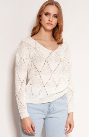 Ażurowy sweter ecru SWE144