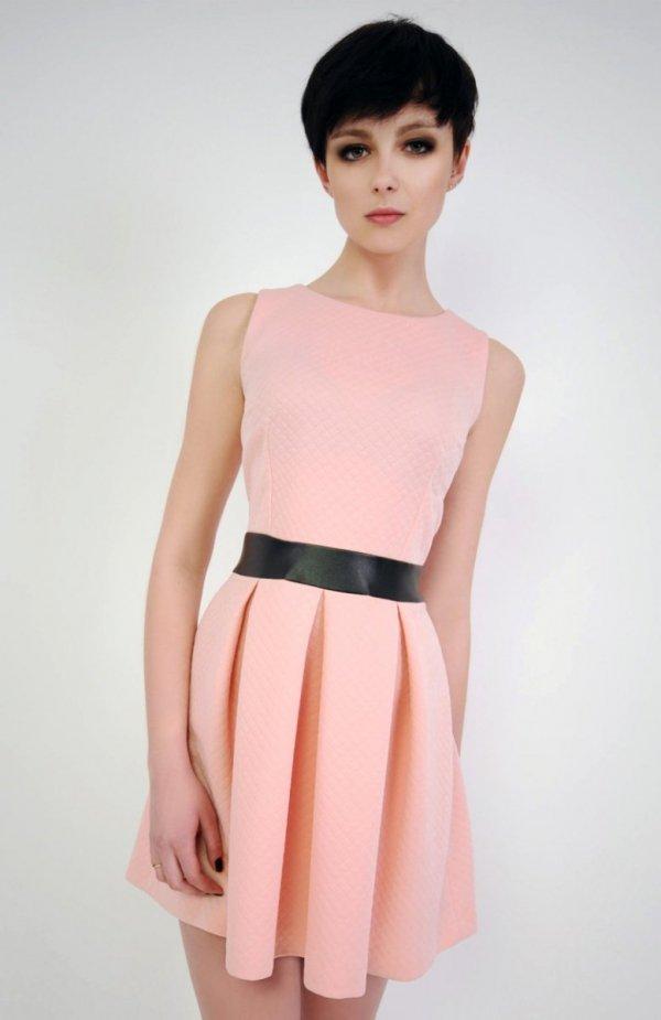 Vera Fashion Madelaine sukienka pudrowa