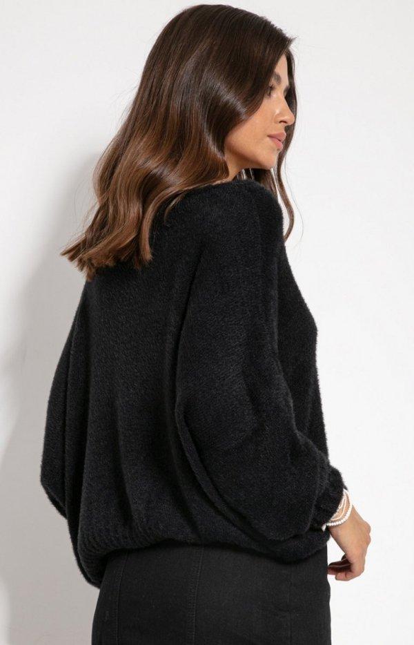 Luźny oversizowy sweter czarny F1066 tył
