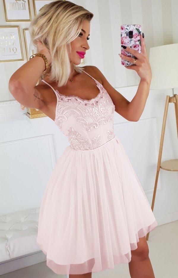 Koronkowa sukienka z tiulowym dołem 2186-12