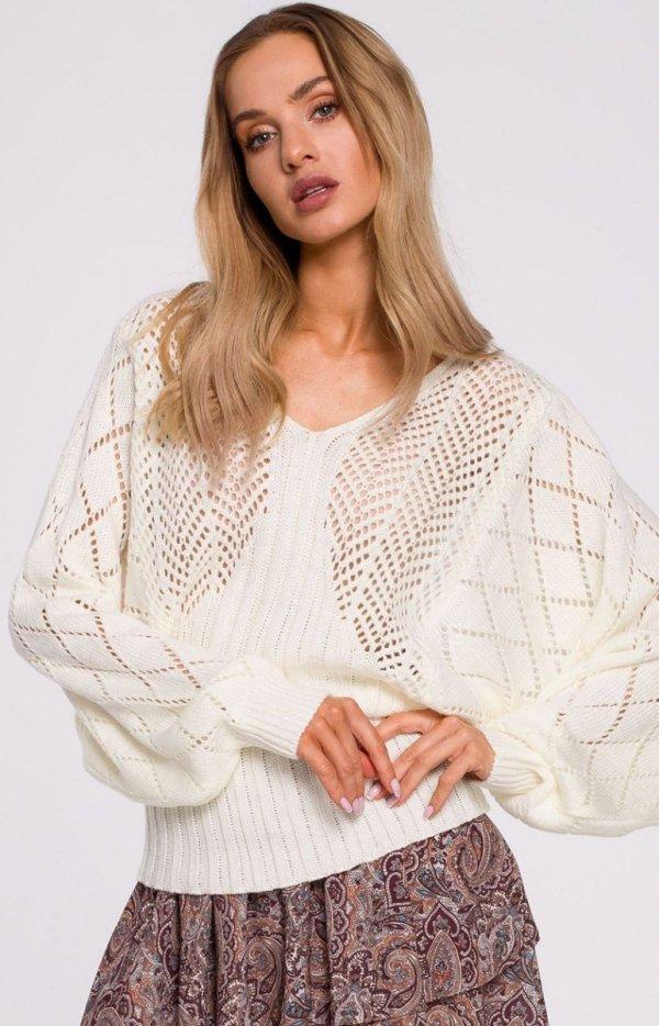 Lekki ażurowy sweterek ecru M595