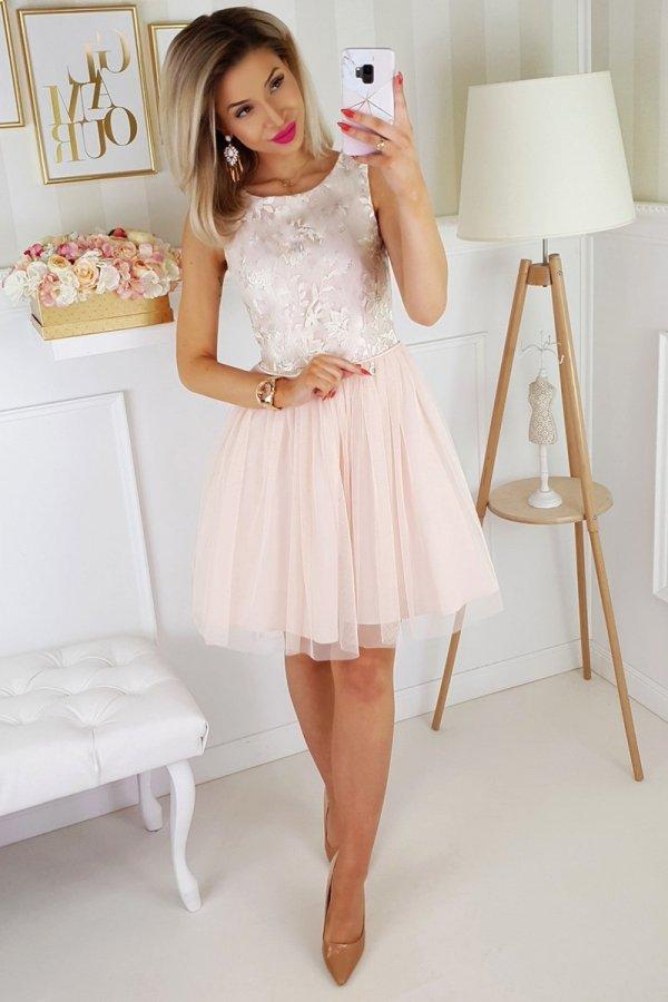 Beżowa sukienka z tiulem 2179-21 całość