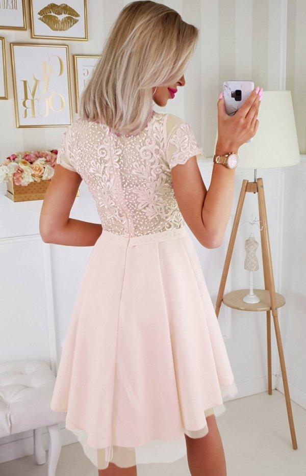 Brzoskwiniowa koronkowa sukienka z tiulem 2180-17 tył