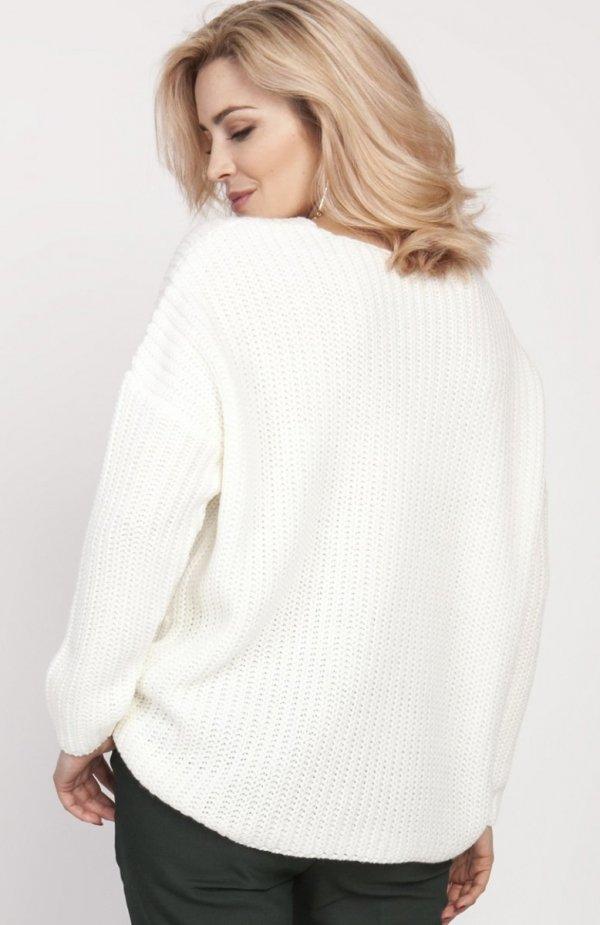 Oversize'owy sweter o asymetrycznym kroju ecru SWE124 tył