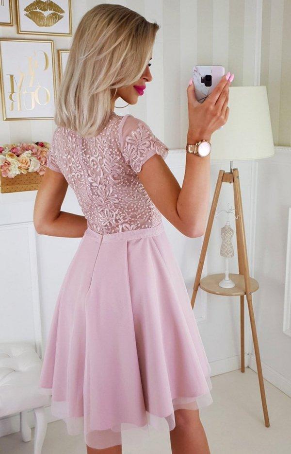 Koronkowa sukienka z tiulem 2180-20-1