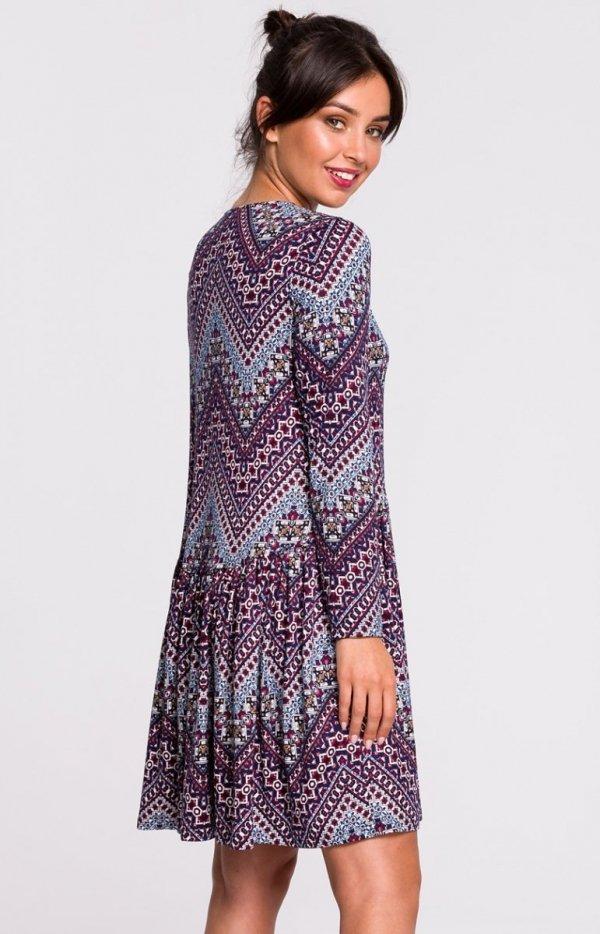 Dzianinowa sukienka wielokolorowa B136 tył