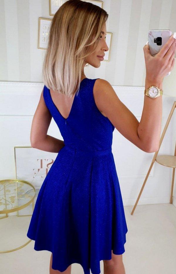 Elegacka sukienka z brokatem chabrowa  2215-05 tył