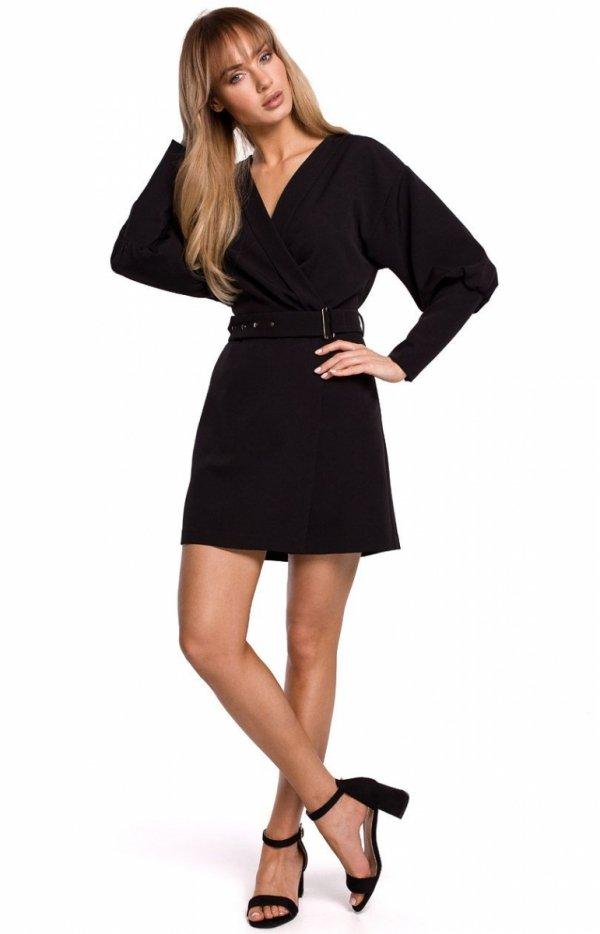 Stylowa sukienka z paskiem czarna M501 przód