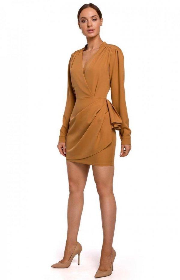 Elegancka mini sukienka z falbaną cynamon M531-1