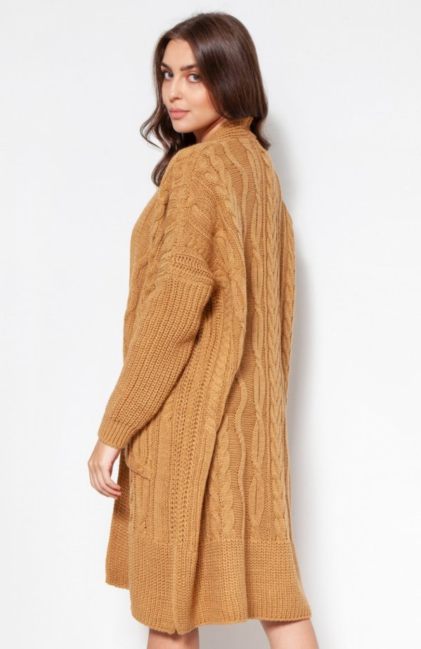 Swetrowy płaszcz z kieszeniami musztardowy SWE139 tył