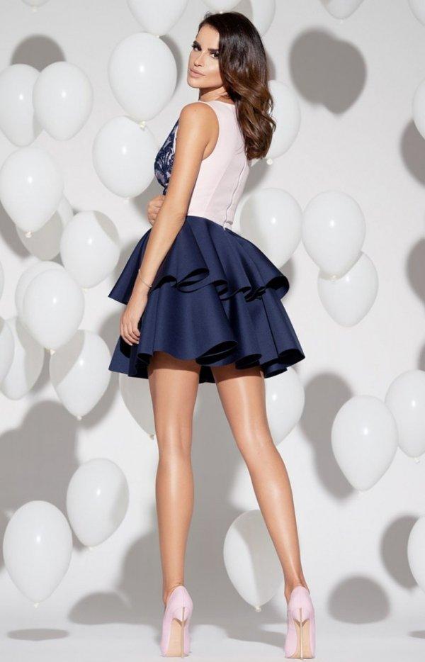 Rozkloszowana sukienka z pianką 2122-11 tył