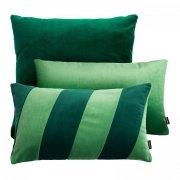Zielony zestaw poduszek dekoracyjnych Velvet + Stripes