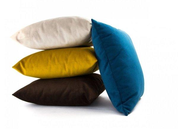 Pram Kremowa welurowa poduszka dekoracyjna